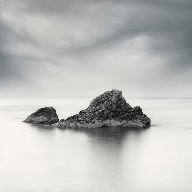 Marcin Bera Reflecting Nostalgia and Loneliness