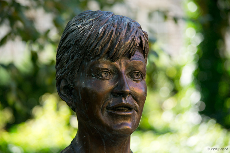 Memorial statue to Veronica Guerin